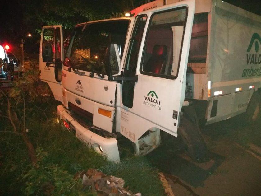 caminhões do slu lixo