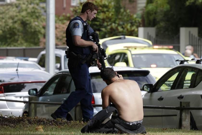 Atentado Na Nova Zelandia: Vídeo Mostra Ataque Contra Fiéis Em Mesquita Na Nova Zelândia