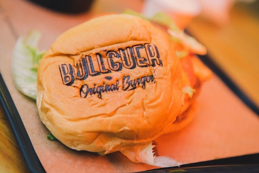 Hambúrguer da Bullguer visto de cima