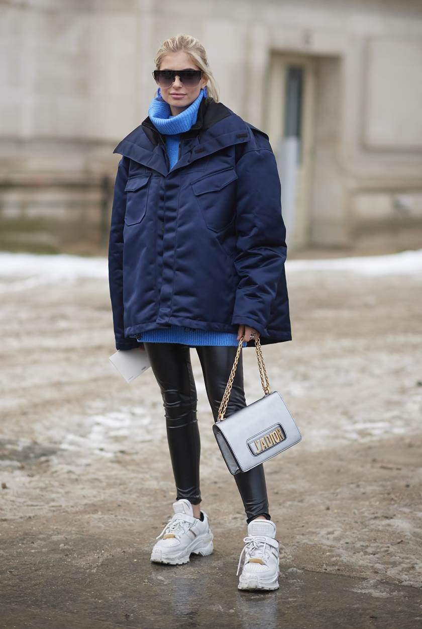 Street Style - Paris Fashion Week - Haute Couture Spring Summer 2020 : Day Two