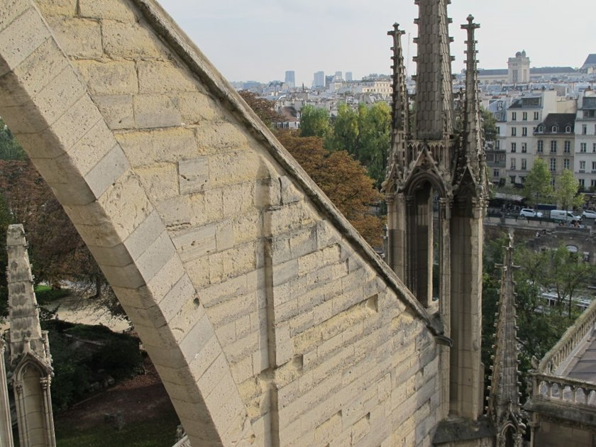 Crumbling Notre-Dame