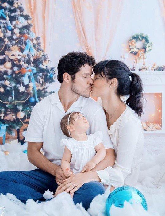 José Loreto, Débora e a filha