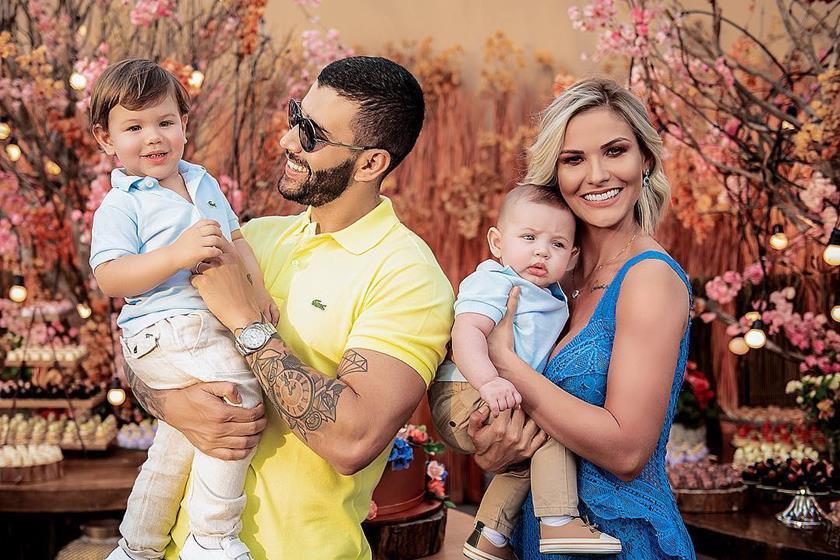 Resultado de imagem para Gusttavo Lima pede mais um filho e Andressa Suita diz:
