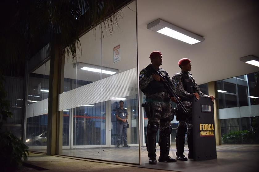 Força Nacional em frente ao Ministério da Educação (MEC)