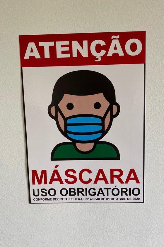 Aviso do uso de máscara no ambiente do Ceallp