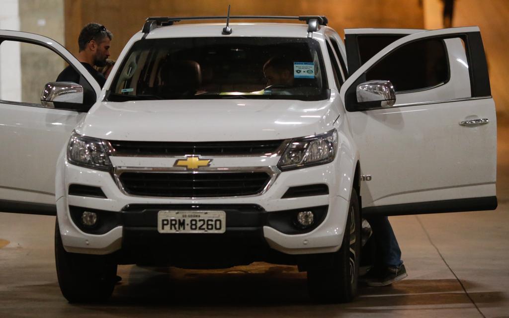Busca e apreensão em carros dos empresários que estavam no estacionado do estádio nacional, operação episkiros do PCDF