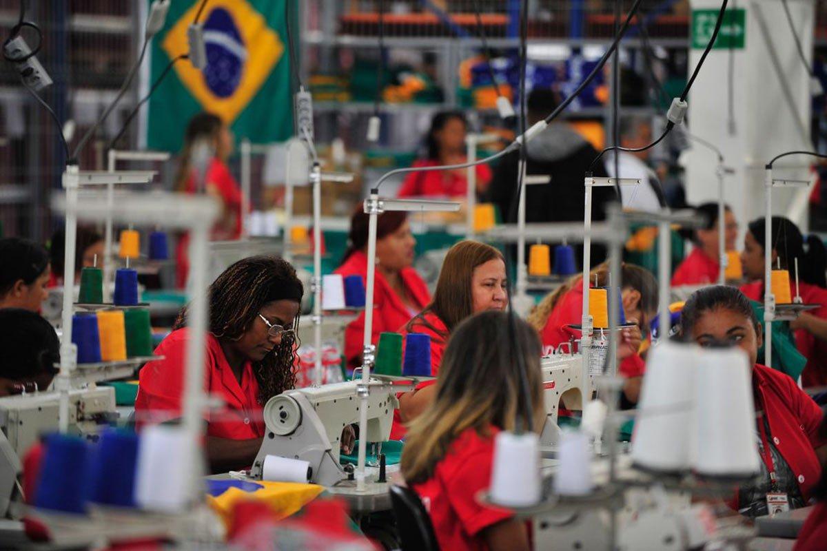 Especialista defende que governo aumente gastos com investimentos para retomada do crescimento econômico