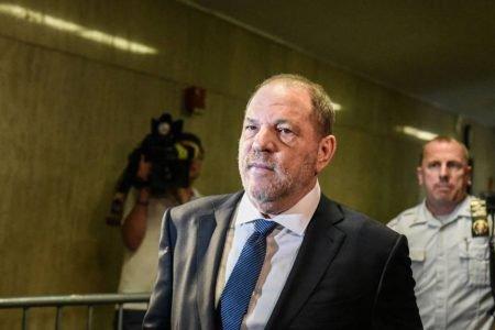Harvey Weinstein de terno