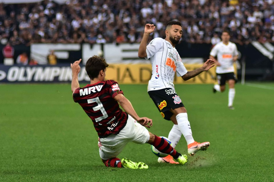 Brasileirão Corinthians E Flamengo Empatam Jogo Com Var De