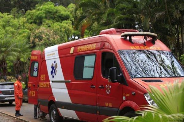 ambulância dos bombeiros