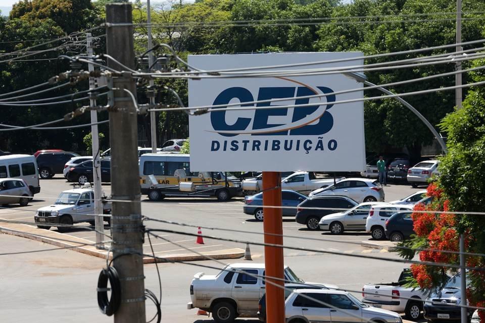 Resultado de imagem para É dado o primeiro passo para a privatização da CEB
