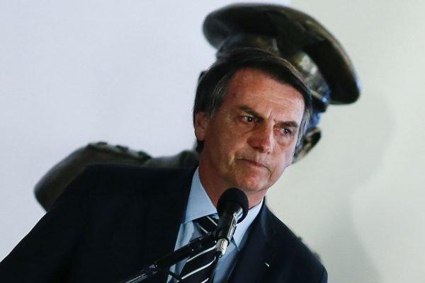 Presidente Jair Bolsonaro é acusado de desmontar a comissão