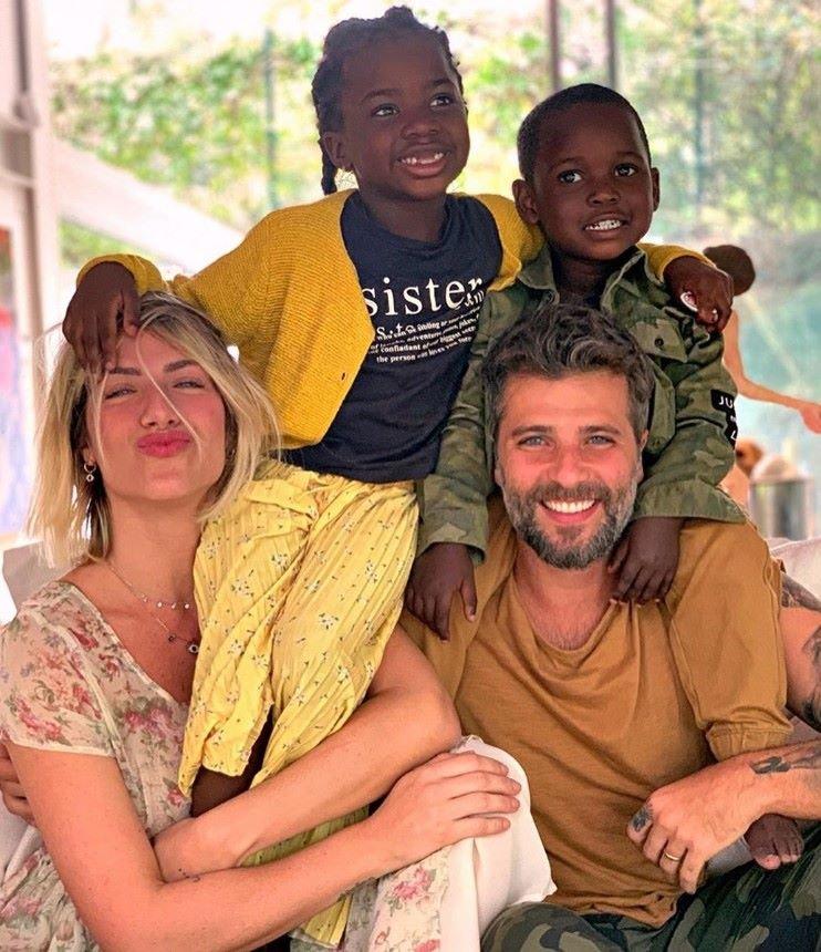 Giovanna Ewbank, Bruno Gagliasso e seus filhos, Titi e Bless