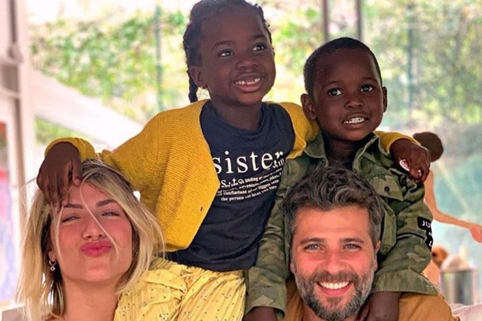 Gio Ewbank, Bruno Gagliasso e os filhos
