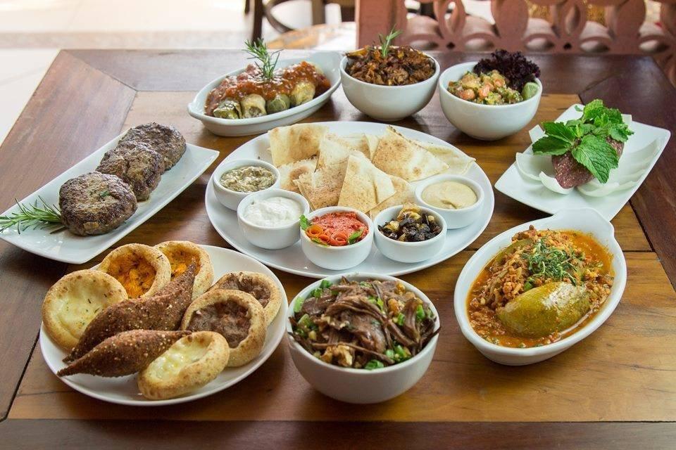 Pratos de origem árabe, feitos pela chef Lídia Nasser, do restaurante Empório Árabe