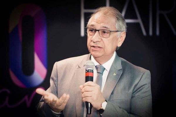 Secretário de Educação do DF João Pedro Ferraz