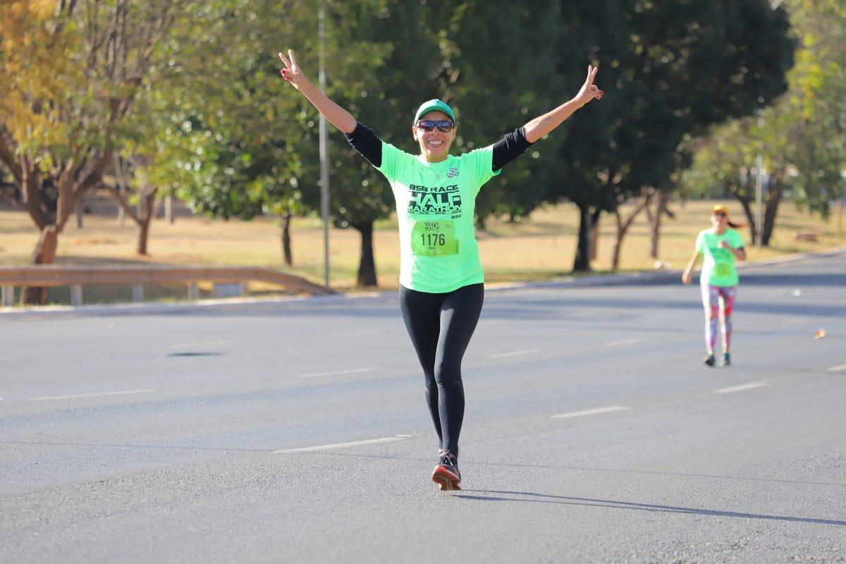 Do transplante à maratona: professora do DF vive história de superação