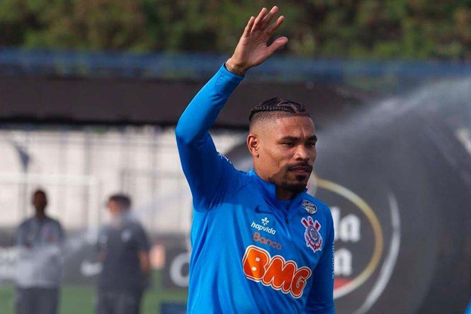 [ENQUETE] Júnior Urso seria uma boa alternativa para o clássico diante do Santos?