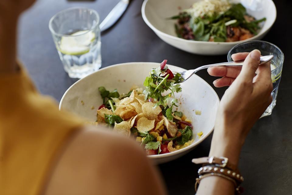 Dia do Nutricionista: veja 11 mitos e verdades sobre emagrecimento