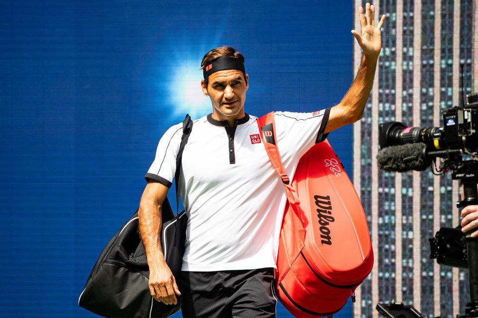 US Open: Federer vence, iguala marca de Agassi e passa às quartas