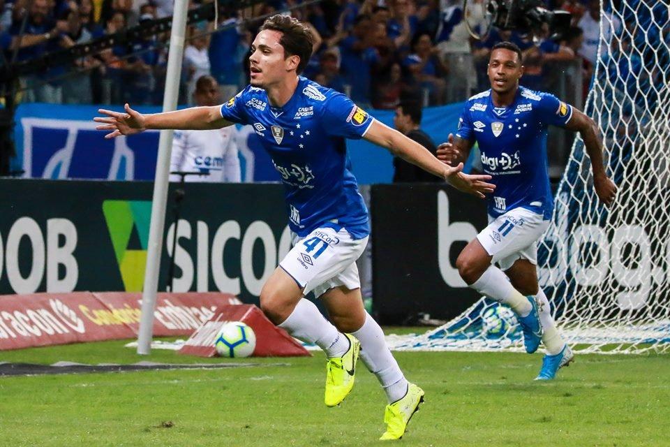 Jovem da base sai do banco para dar vitória ao Cruzeiro contra Vasco