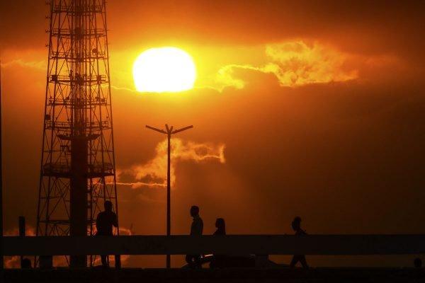 Sol quente no DF