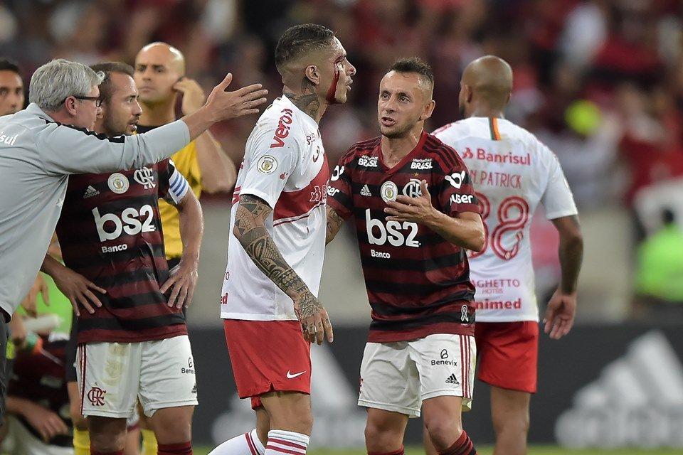 Inter Sofre Com Expulsões E Flamengo Garante Liderança No