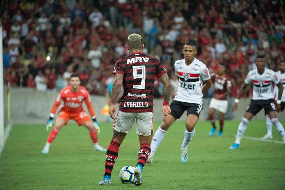 Na Estreia De Diniz São Paulo Empata Com O Flamengo No