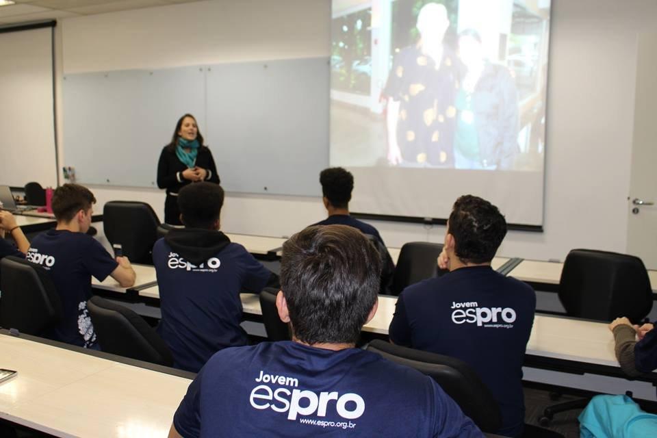 Espro abre novas vagas para jovens aprendizes em nove cidades
