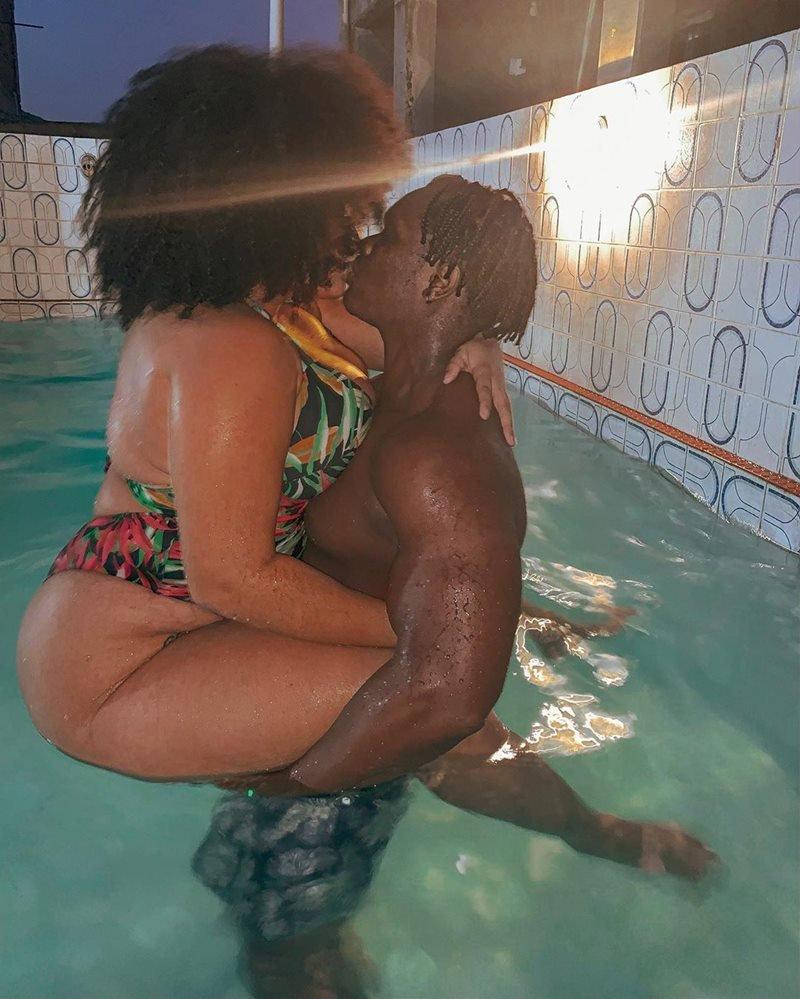 Ana Maria Braga Fotos Nua ex-bbb rízia surpreende fãs ao surgir linda e nua em banheira