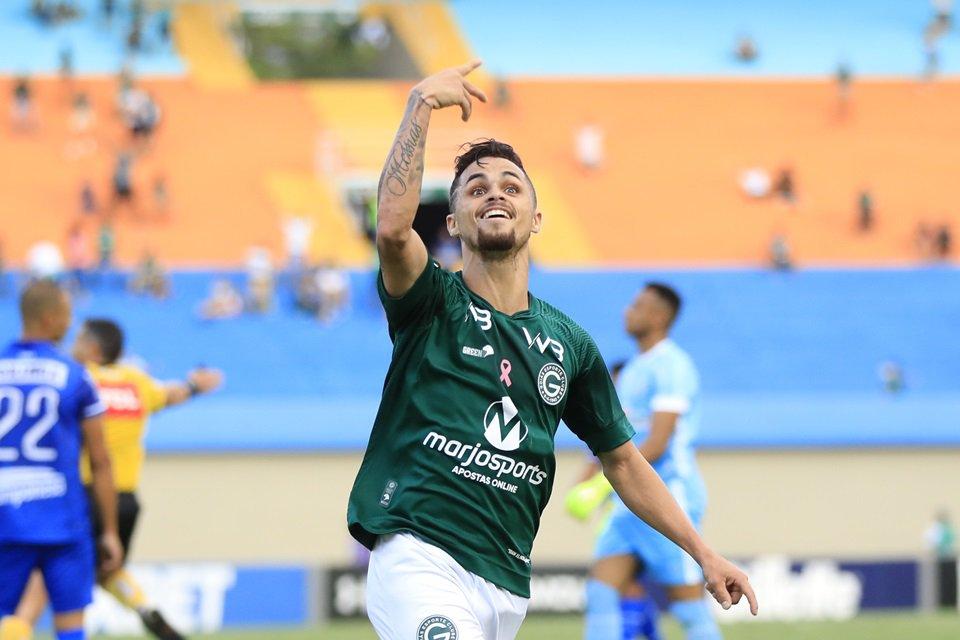 Michael deverá ser vendido em janeiro pelo Goiás, clubes seguem de olho no jogador