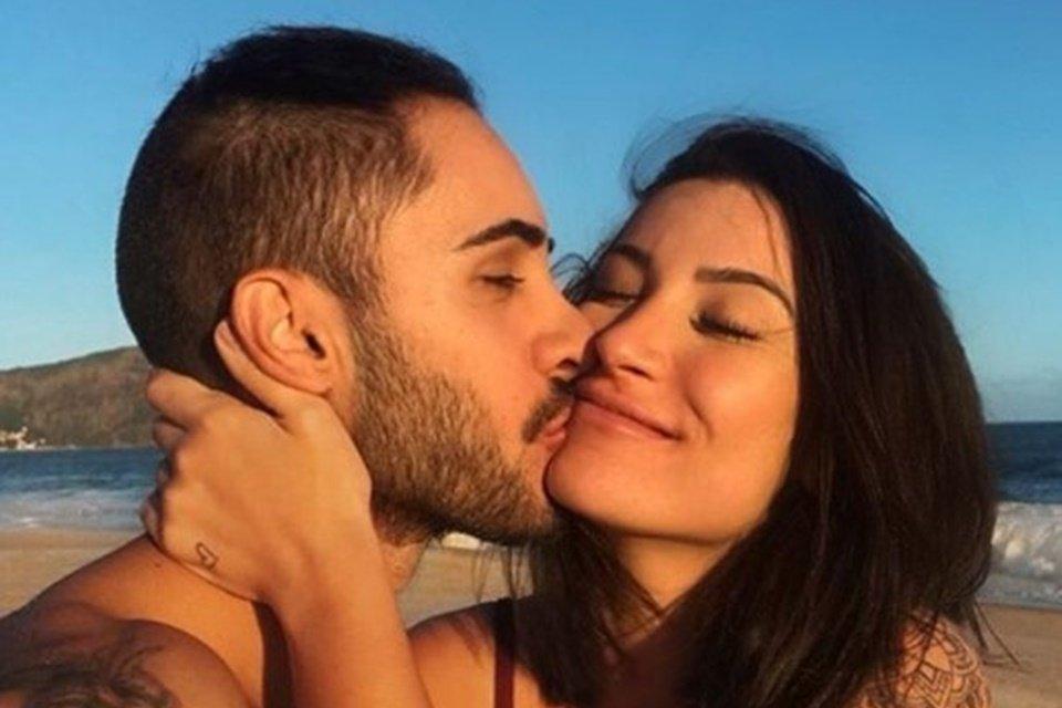 Blogueira e youtuber usou o Instagram para se pronunciar sobre o término do relacionamento