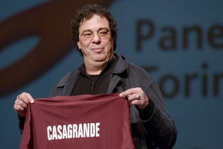 Casagrande recebe homenagem