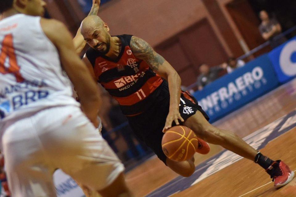 Ala Marquinhos, do Flamengo, em jogo do NBB