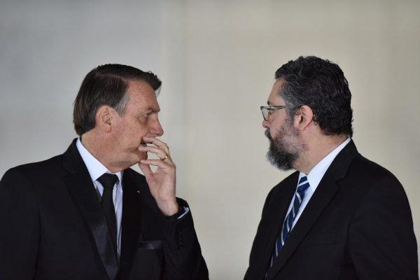 Bolsonaro e Ernesto Araújo