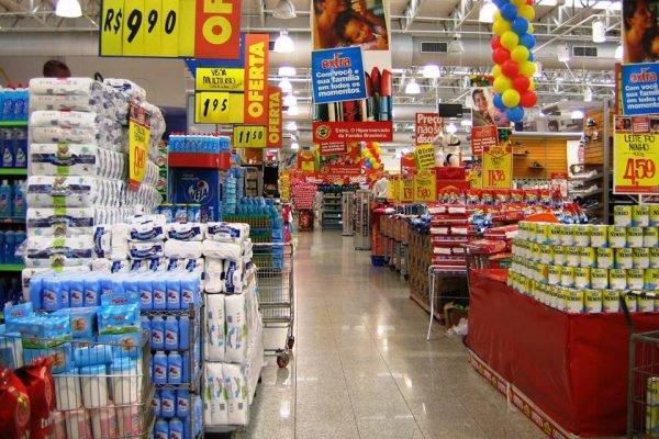 Foto de supermercado na quarentena pelo coronavírus