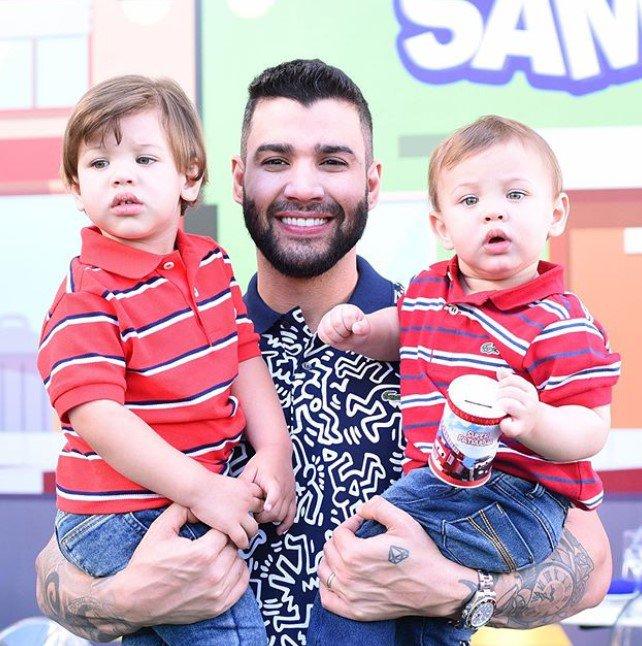 Gusttavo Lima e os filhos, Gabriel e Samuel