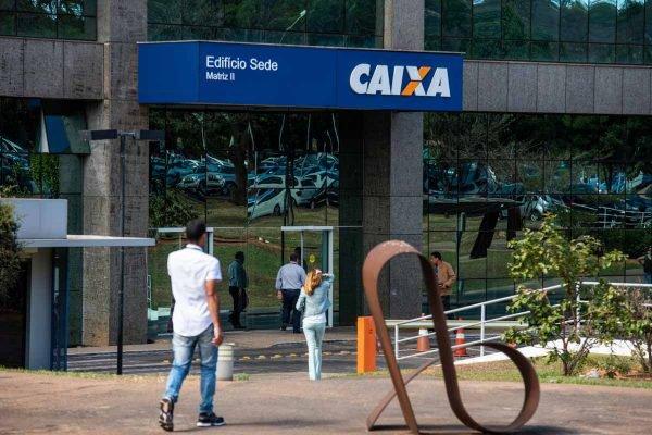 Dupla foi presa em agência da Caixa Econômica Federal