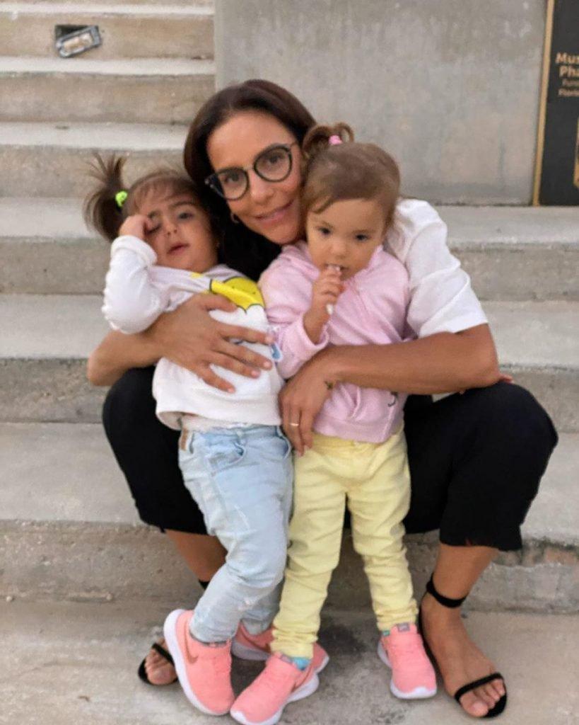 Ivete Sangalo e as filhas