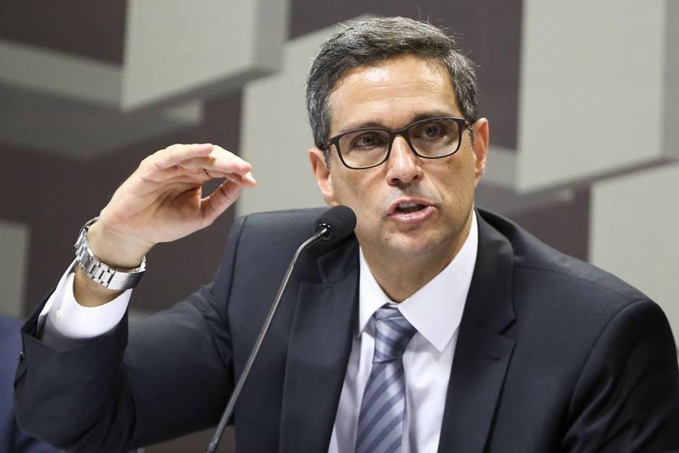 Governo anuncia pacote de R$ 40 bi a pequenas e médias empresas