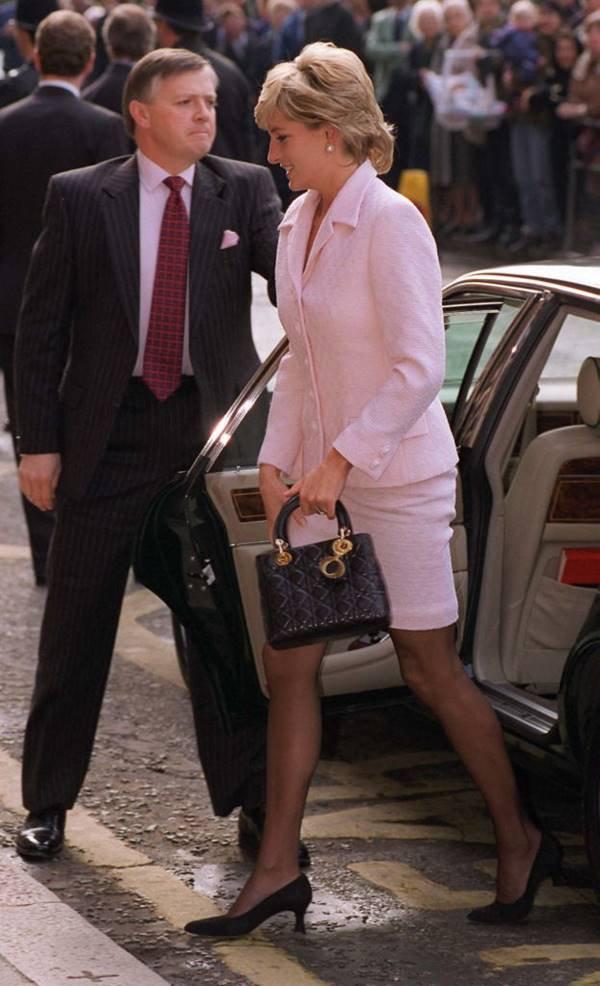 Lady Di usando Lady Dior