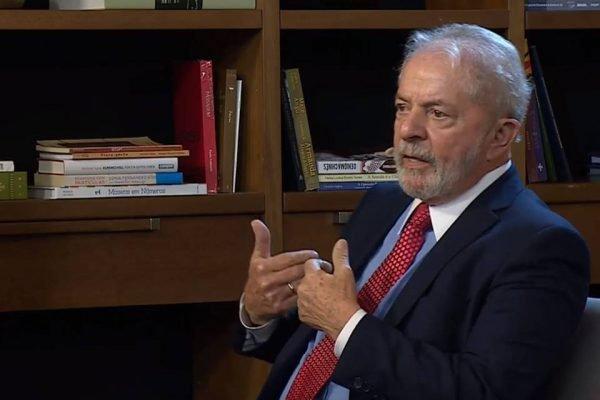 O petista também comentou sobre o envio de comprimidos do remédio dos Estados Unidos para o Brasil