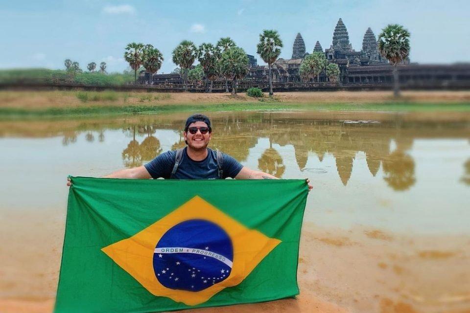 O brasileiro aterrissou em todas as nações do mundo. Confira detalhes do tour por Laos, Vietnã, Camboja e Mianmar em fotos e vídeos