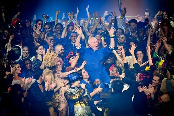 Jean Paul Gaultier em seu último desfile