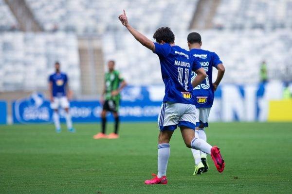 Empate sem emoções marca clássico Cruzeiro x América-MG