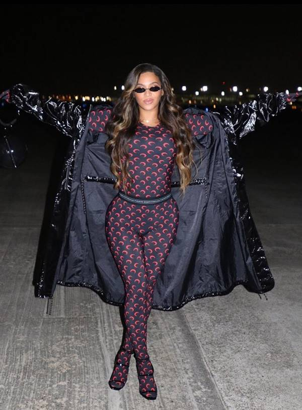 Beyoncé usando Marine Serre