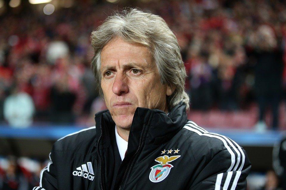 Benfica fará proposta salarial de R$ 25 mi anual para Jorge Jesus