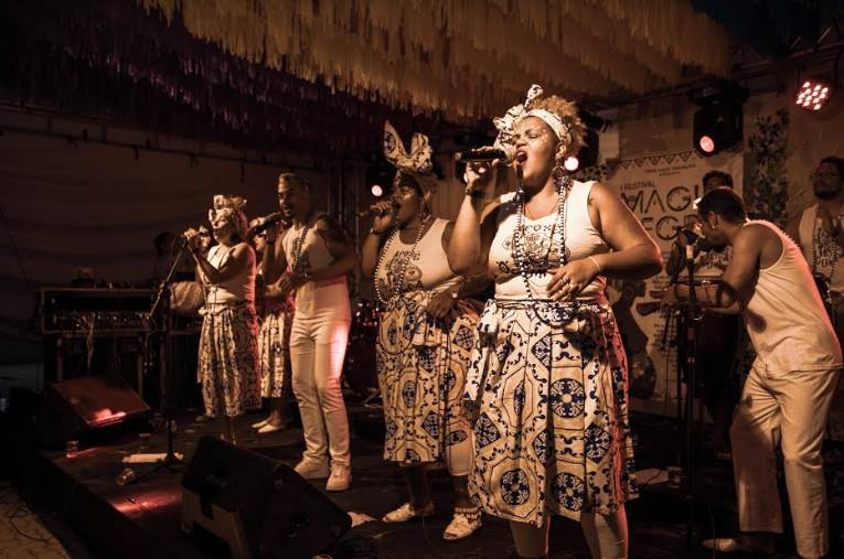 Grupo Afoxé Ogum Pá em apresentação