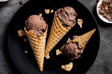 sorvetes de chocolate