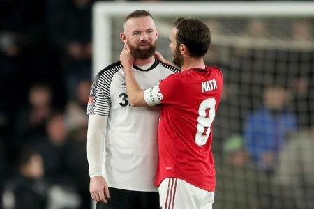 Manchester United e Derby County, de Wayne Rooney, pela Copa da Inglaterra